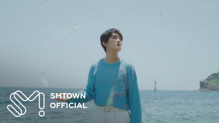 安七炫 - 安七炫《七月里的圣诞 (Christmas in July)》MV